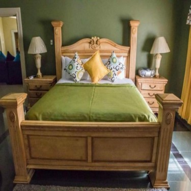 3 Bedroom 2.5 Bath