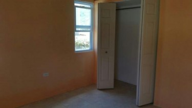 New Unfurnished Self-contained 1 Bedroom Flat