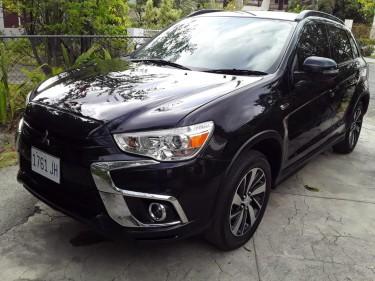 2019 Mitsubishi Axs