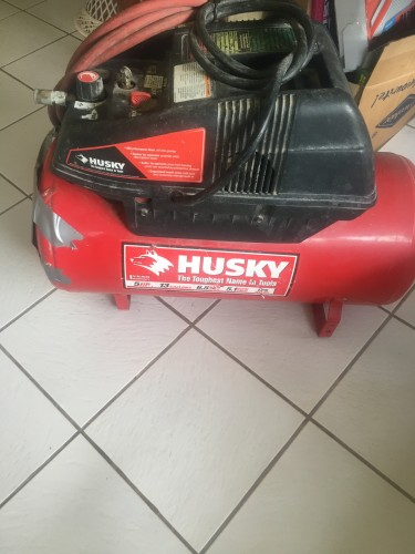 HUSKY AIR COMPRESSOR 13 GAL 5 HP GOING CHEAP