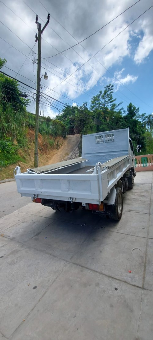 2004 ISUZU 3 TON TIPPER Truck Just Imported For Sa