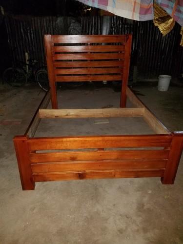 Queen Size Modern Assembled Bed