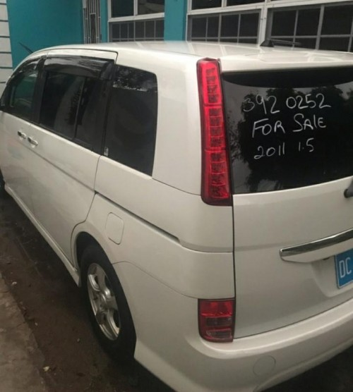 2011 Toyota  ISIS Platana Just Imported For Sale
