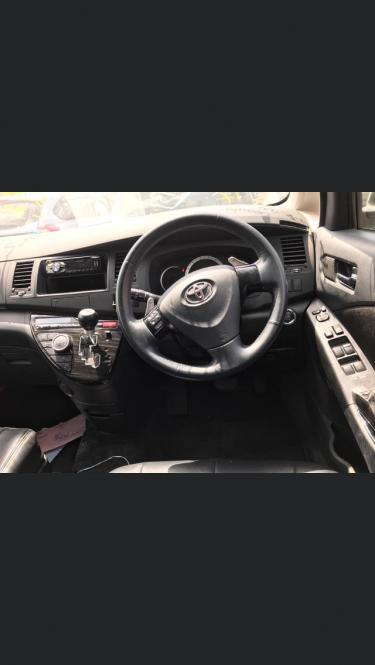 2011 Toyota ISIS Platana