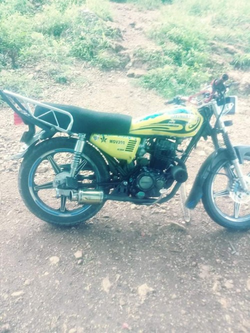 200 Cc Bike With Pappers