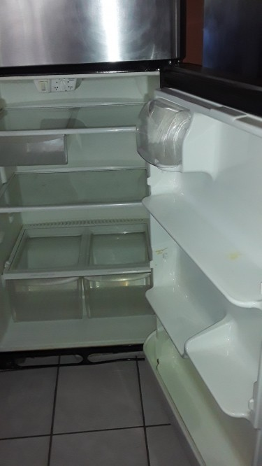 GOOD WORKING FRIGIDAIRE REFRIGERATOR