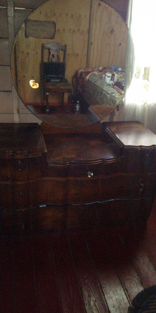 Antique 5 Draw Dresser