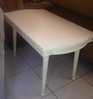 Small White Table (2ft 5