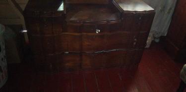1900 Antique 5 Draw Dresser