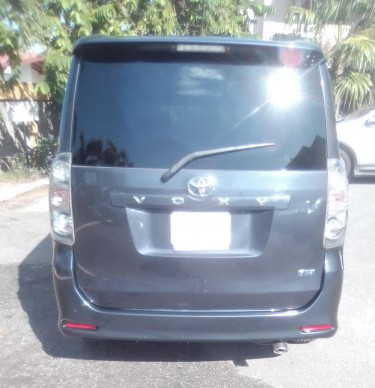 Toyota Voxy For Sale