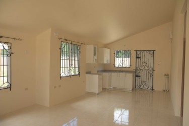 2 Bedroom House In Montego West Village