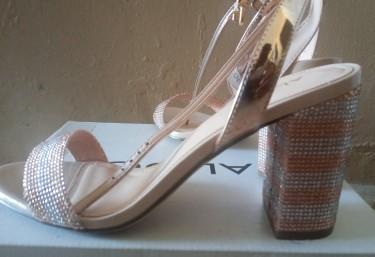 Aldo Rose Gold Open Toe Heel Size 9 Mint Condition
