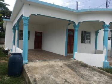 3 Bedroom 2 Bathroom Kitchen & Livingroom