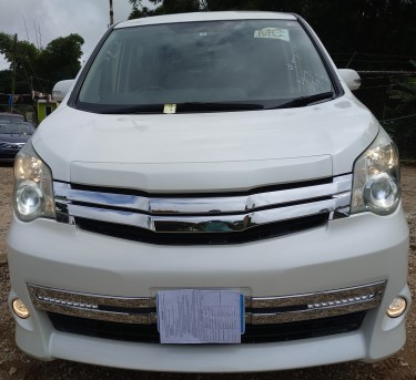 Toyota Noah G'S 2011 Newly Imported