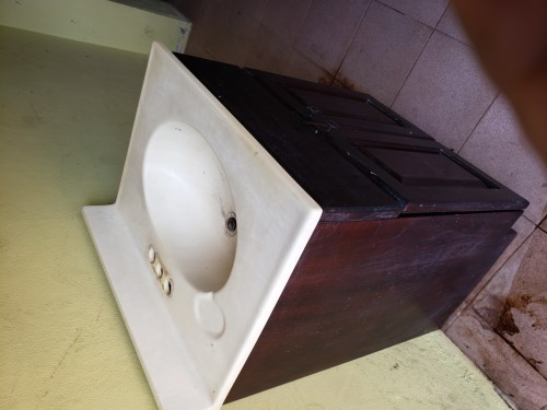 Bathroom Sink 9000.00