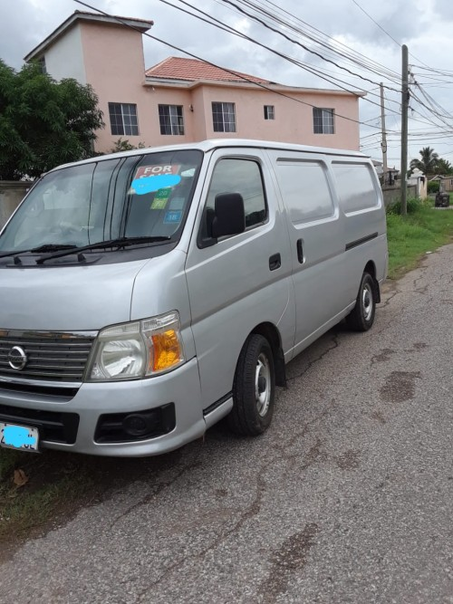 2011 Nissan Caravan $895k Slightly Negotiable!
