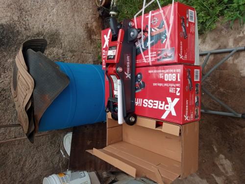 2 Ton LOW PROFILE Jack Set With Express Lifting