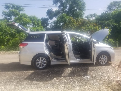 2011 Toyota  Wish Just Imported For Sale 2000cc En