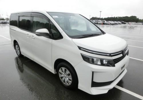 2014 Toyota Voxy On Lot