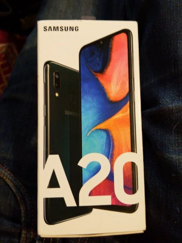 BRAND NEW SAMSUNG A20S ANDROID PHONE