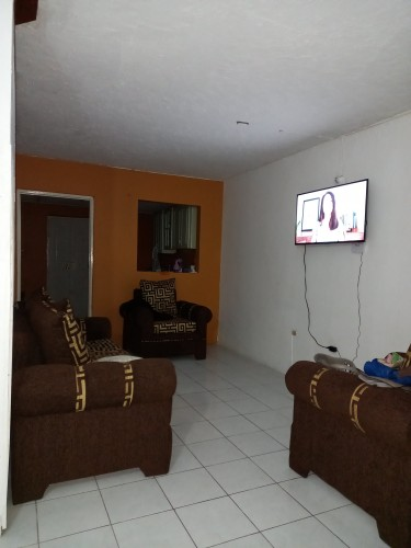 Spare Furnished 1 Bedroom In A Townhouse Available