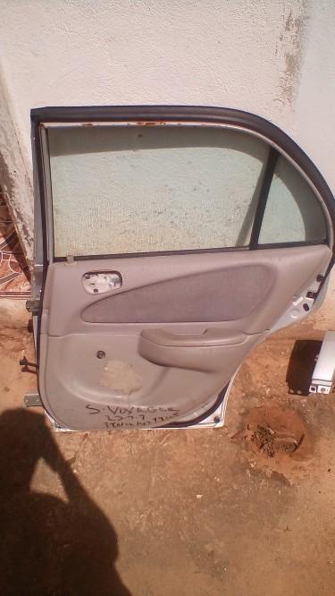 Toyota Corolla Right Rear Door (fully Functional)