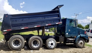 1997 Volvo Dump Truck