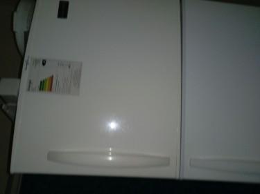 16 Cu Ft Frigidaire Fridge & Microwave (1 Price)