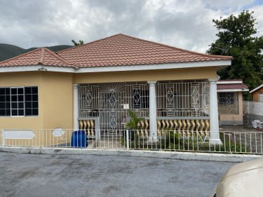 CLEAN BRIGHT 2 BEDROOMS FOR RENT