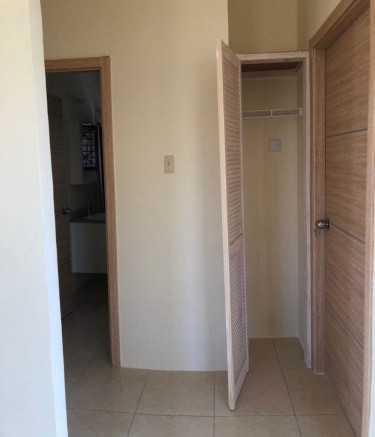 2 Bedroom 1 Bathroom Gated Complex