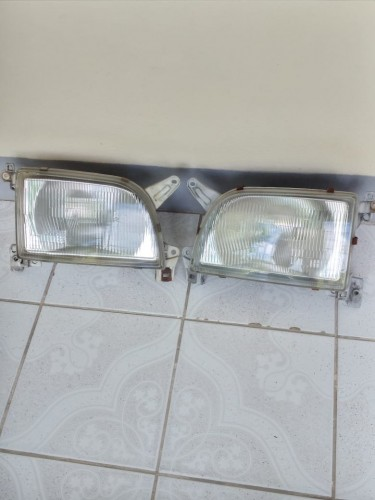 One Pair 1996 Toyota Hiace Head Lamp