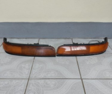 One Pair 1996 Toyoto Front Indicator Light