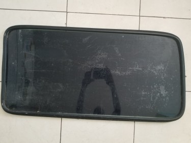 Side Glass For Toyota Hiace 98-2002