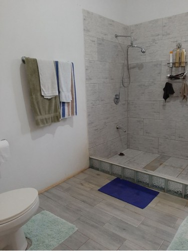 2 Bedrooms, 1 Bathroom House