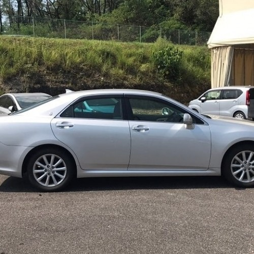 TOYOTA CROWN Royal Saloon 2012
