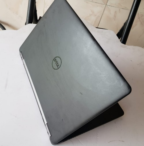 .Dell Latitude E5470 .Windows 10.i5 Processor 2.