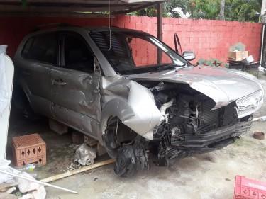 2005 Hyundai Tucson (crashed)