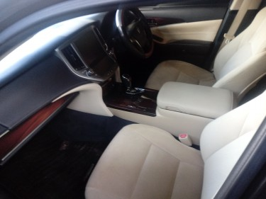 2013 Toyota Crown Royal Saloon