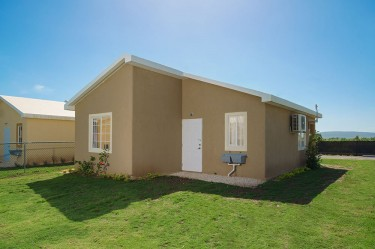 2 Bedrooms/1 Bath - Gated Community