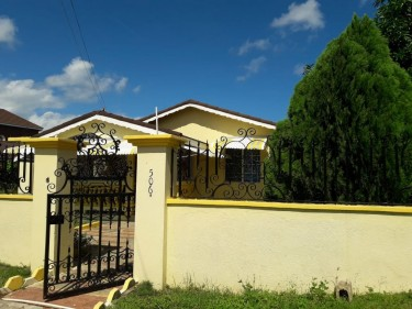 FLORENCE HALL..4 BEDROOM 4 BATH FOR RENT