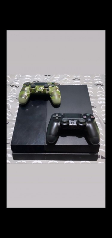PlayStation 4 2 Controller