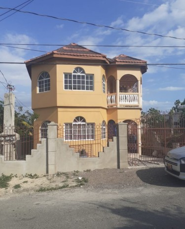 8 Bedrooms House To Rent To Company/Agent