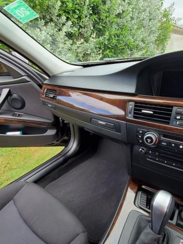 2011 BMW 320i Excellent Condition