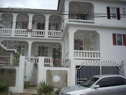 2 Bedroom Apartment  For Rent Catherine Mount