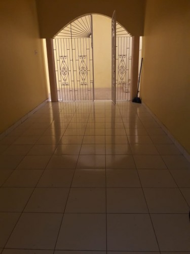 WESTGATE HILLS..UNFUR 1 BEDROOM 1.5 BATH APARTMENT
