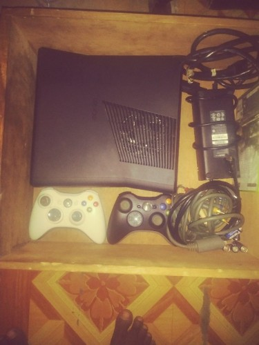 Xbox 360 Only 3 Weeks Old WhatsApp Me!!