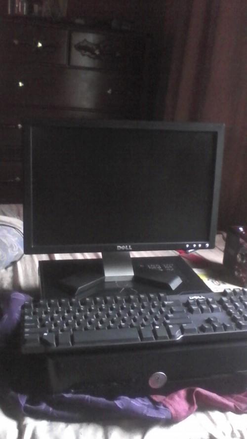 A 2009 Dell Desktop Computer
