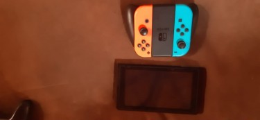 Nintendo Switch , Comes With Games And Controller