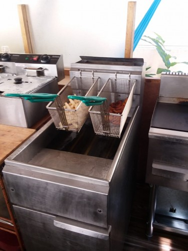 Commercial Gas-operated Deep Fryer With Baskets