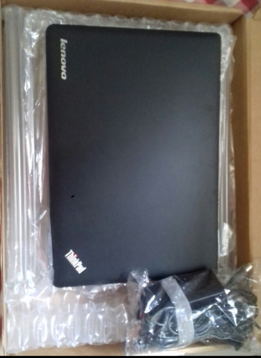 LenovoThinkpadEdge COREi5 500GB/W10 14inch